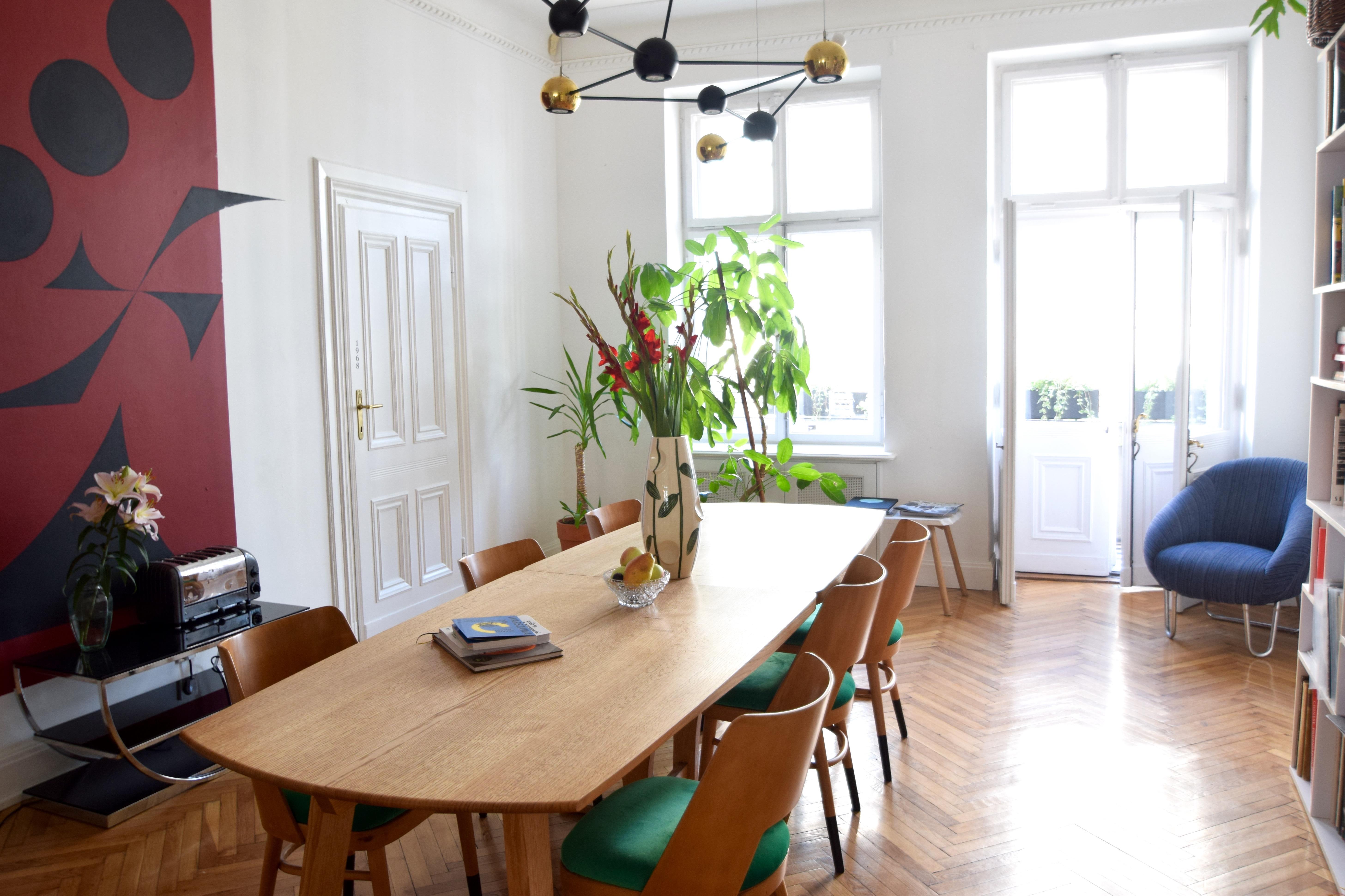 http://www.cloclo.be/wp-content/uploads/2016/09/Autor-Rooms-Warschau-interieur-hotel-leefruimte.jpg