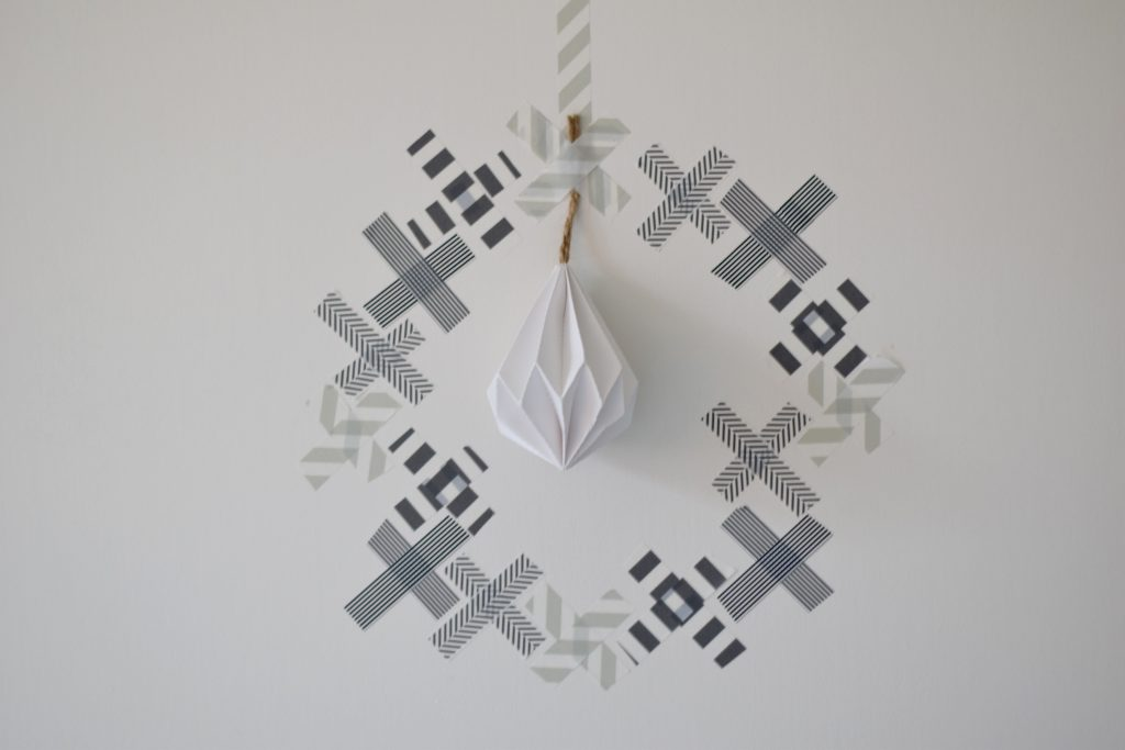 washitape-kerstkrans-ikea-decoratie
