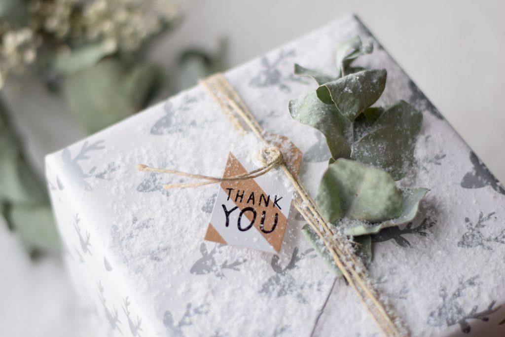 cadeau-inpakken-geschenk-hema-naturel5