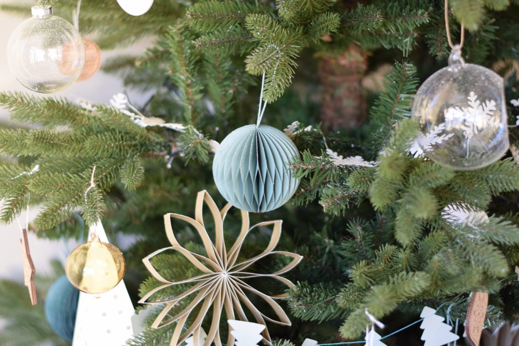 kerstballen-papier-dille-kamille