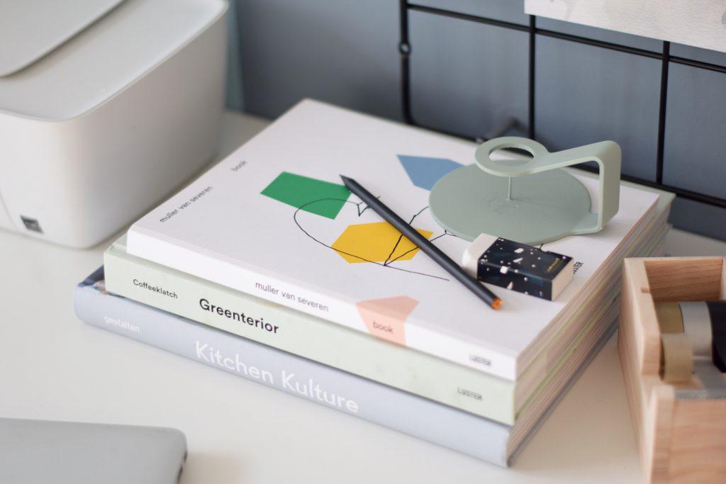 werkplek-bureau-boeken