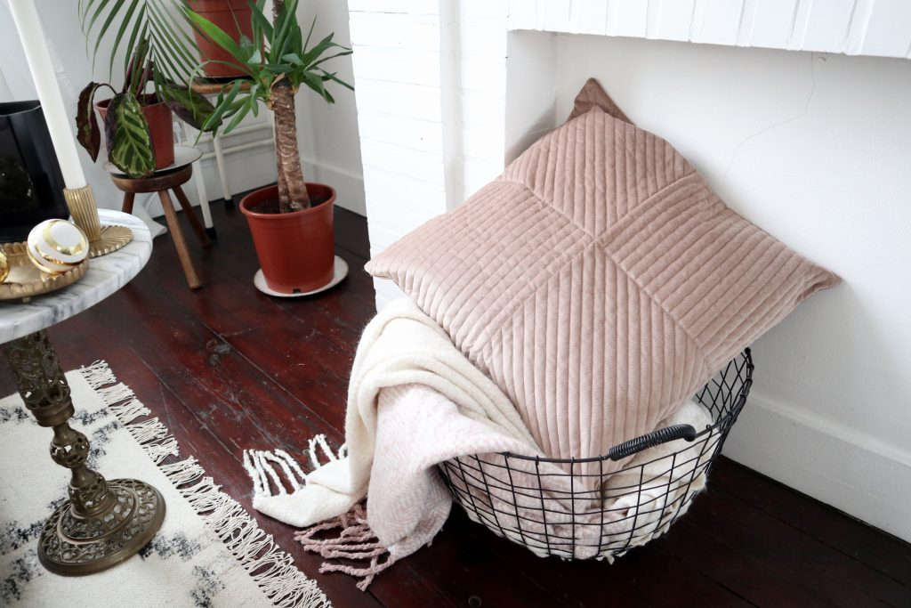 H&M Home cosy winter plaids