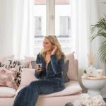 persoon-in-roze-zetel
