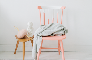roze-stoel